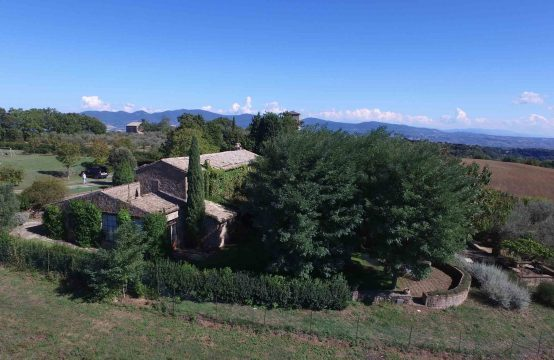 Country house with swimming-pool for sale in Bagnoregio | Latium