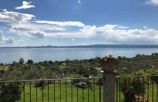 Lake view Villa on sale near Bolsena | Latium