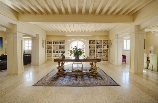 Luxury villa for sale in Lucca | Tuscany
