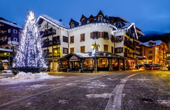 Penthouse for sale in the center of Madonna di Campiglio, Dolomites