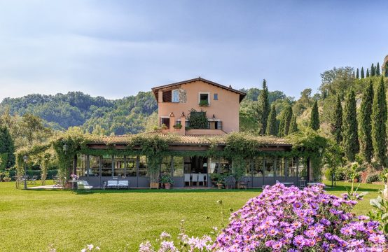 Dream farmhouse with tourist accommodation business and swimming pool in outstanding rural context  – Bassano in Teverina