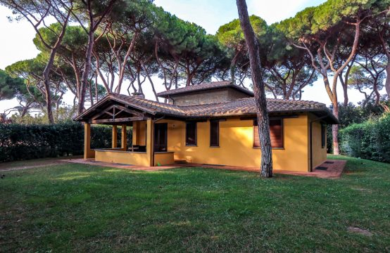Ref. vsv2 Newly villa inside a private park, a few steps from San Vincenzo beach in Tuscany